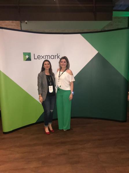 Fernanda Biella (Gerente de Marketing e Produtos da Cogra) e Elizangela Silva (SMB & Channel Account Manager da Lexmark).